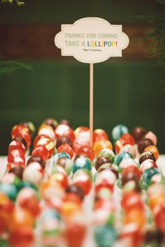 Lollipop Favors | Becky Ravenberg | TheKnot.com