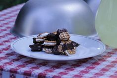 Need a sweet snack in a pinch? Try Dipped S'mores in a Snap!