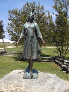 Pocohontas statue in Jamestown, Virginia Yorktown Battlefield, Jamestown Va, Historic Jamestowne, Old Dominion, Colonial Williamsburg, Blue Ridge, Statue Of Liberty, Native American, Virginia