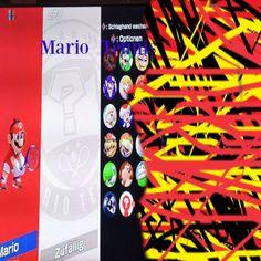 Max speilt Tenns Times Square, Mario