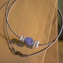 Blue and white upcycled necklace Alex And Ani Charms, Cricket, Upcycle, Jewelry Making, Blue And White, Bracelets, Silver, Projects, Red