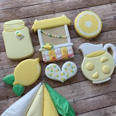 Great for any summer month! Summer Cookies, Fancy Cookies, Cute Cookies, Golf Cookies, Iced Sugar Cookies, Lemon Cookies, Cookie Icing, Royal Icing Cookies, Idee Baby Shower