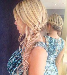 Side braid mehr 25 gorgeous wedding hairstyles for long hair Side Braid Hairstyles, Summer Hairstyles, Pretty Hairstyles, Bridesmaid Hair, Prom Hair, Long Curly Hair, Curly Hair Styles, Trending Hairstyles, Hair Dos