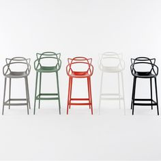 The Masters bar stool by Philippe Starck and Eugeni Quitllet is a tribute to three iconic chairs: the Series 7 by Arne Jacobsen, the Tulip armchair by Eero Saarinen and the DSR chair (or Eiffel chair) by Charles and Ray Eames. The silhouettes of each classic can be found from the back rest of the Masters chair.