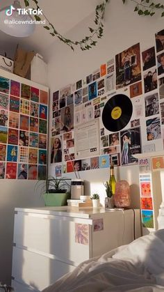 Indie Room Decor, Cute Bedroom Decor, Aesthetic Room Decor, Room Ideas Bedroom, Teen Room Decor, Bedroom Inspo, Hipster Room Decor, Bedroom Wall Ideas For Teens, Indie Dorm Room