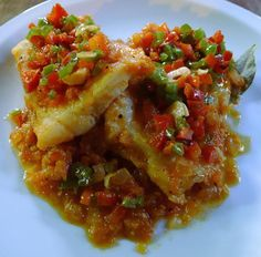 Bacalao a la riojana #Recetas #Cocina #RecetasPasoAPaso #CocinaCasera #RecetasdeCocina #Pescado #Bacalao Fish Recipes, Mexican Food Recipes, Dinner Recipes, Ethnic Recipes, Spanish Cuisine, Spanish Food, Spanish Recipes, Cod Fish, Comida Latina