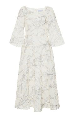 This Luisa Beccaria Floral Embroidered Knee Length Dress features a textured design and quarter length flared sleeves.