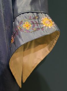 Best 12 Fancy hand – Page 508132770456584226 – SkillOfKing. Salwar Suit Neck Designs, Neck Designs For Suits, Kurta Neck Design, Kurta Designs Women, Salwar Designs, Blouse Neck Designs, Kurti Sleeves Design, Sleeves Designs For Dresses, Sleeve Designs