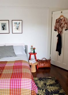 Most Simple Tips and Tricks: Pallet Flooring Ideas modern flooring tiles. Basement Flooring, Home, Cheap Vinyl Flooring, Flooring, Rustic Flooring, Floor Seating, Bedroom Flooring, Terrazzo Flooring, White Walls
