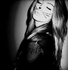 Image shared by Lauren . Find images and videos about girl, pretty and black and white on We Heart It - the app to get lost in what you love. Make Carnaval, Maquillaje Halloween, Halloween Makeup, Halloween Ideas, Halloween 2013, Halloween Night, Cat Makeup, Cat Costumes, Kitty Costume