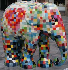 Elephants comes in all sizes and color, if we take care off them, support Elephantparade.dk to preserve baby elephants in Asia Elephant Stuff, Elephant Art, Baby Elephant, African Forest Elephant, Asian Elephant, Elephas Maximus, City Events, Elephant Parade, Southeast Asia