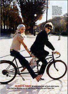 They bike on cobblestone
