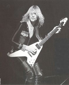 Michael Shenker with Flying V - UFO days Check out the solo in Lights Out Live!!!!