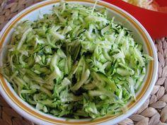 Egy újabb expressz recept, amit a konyhafelújítás kényszere szült…:) Ennek ellenére nem bántam meg, mert egy könnyed, mennyien sajtos, zöldséges...