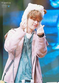 180407 Stray Kids at FanSign event in Yongsan Lee Minho Stray Kids, Fandom, Lee Know, Lee Min Ho, Kid Names, Boy Groups, Rapper, Raincoat, Kpop