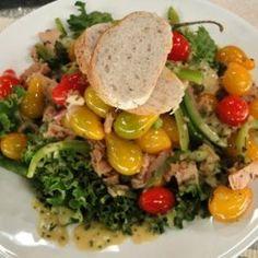 Receta de Ensalada de atun con vinagreta de mostaza.   #ensalada #receta #atún #mostaza Cooking Recipes, Healthy Recipes, Cobb Salad, Healthy Eating, Healthy Food, Beef, Fish, Meals, Chicken
