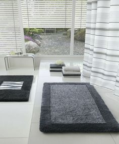 Accessories Bath Tub Carpet Grey For With Large Windows