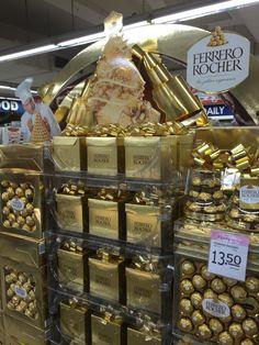 Ferrero Rocher Christmas Display Pallet