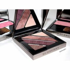 How gorgeous are these Burberry eyeshadows and blushes  @mybeautyfavs has thee most amazing collection