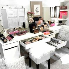 CLICK For GREAT DEALS In Makeup And Personal Care For Those Who LOVE ALL THINGS Beauty If You Want Cool Pretty Things To GLAM Your #BeautyRoom And Grow Your #MakeupCollection. This Is Also Great For The #Blogger & #MUA Who #Nails, #NailArtistry And Love ALL THINGS #Makeup And Want To Grow Their #Beauty Collection And #GLAM Their #HomeDecor.
