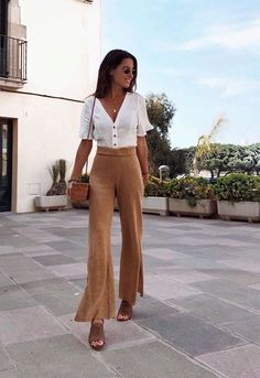 Inspiring Summer Outfits To Copy Now Thereds Me ! inspirierende sommeroutfits zum nachmachen gibt es bei mir Inspiring Summer Outfits To Copy Now Thereds Me ! Summer Outfits Women 30s, Summer Work Outfits, Boho Spring Outfits, Summer Wardrobe, Elegant Summer Outfits, Casual Summer, Summer Business Casual Outfits, Summertime Outfits, Autumn Outfits