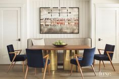 How To Style A Sofa In Your Dining Room Design | Dining Room Ideas. Dining Room Furniture. Modern Sofas. #diningroomideas #diningroomdesign #modernsofas Read more: http://diningroomideas.eu/style-stylish-sofa-dining-room-design/