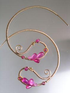 Pink Paisley Hoop Earrings Ruby Hoops Fuchsia por bellajewelsII