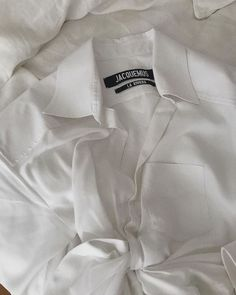 How many white shirts can you have Angel Aesthetic, Beige Aesthetic, Aesthetic Fashion, Instagram Cool, Jacquemus, Street Style, White Shirts, Aesthetic Pictures, Parisian
