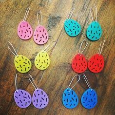 Super fun laser cut statement earrings with sprinkles inspired cut out. Choose From 3 fun shapes in 9 AWESOME COLOURS! Round approx 22mm Diameter, Egg  20mm Wide  x 25mmHexi approx 22mm x 20mm. Hanging from a super shiny nickel and lead free wire. Your earrings will come packed in cute kraft box.