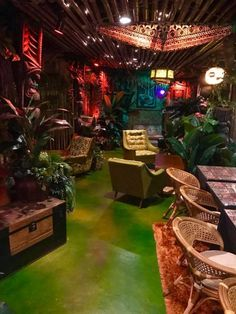 It's not everyday that a completely landlocked city has a business that's declared the best tiki bar in the world. Have you been to this tropical paradise? Vintage Tiki, Vintage Bar, Bar A Burger, Tiki Art, Tiki Tiki, Deco Restaurant, Tiki Bar Decor, Tiki Lounge, Tiki Room