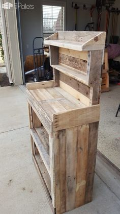 Pallet Furniture Projects Get Your Grow On: Back Porch Pallet Gardeners Hutch Pallet… Wooden Pallet Projects, Wooden Pallet Furniture, Wooden Decor, Wooden Pallets, Wooden Diy, Rustic Furniture, Diy Furniture, Pallet Wood, Outdoor Pallet
