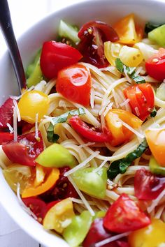 Heirloom Tomato Pasta -- a fresh and delicious way to use beautiful heirlooms (or any fresh tomatoes) | gimmesomeoven.com #pasta #recipe