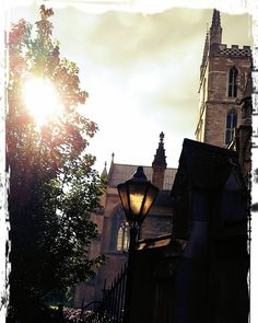 Southwark cathedral London www.couchflyer.com  #london #londonbridge #southwark #cathedral #church #europe #summer  #sunset