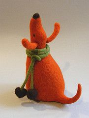 Elegant form and rich colour in this charming needle felted dog. Needle Felted Cat, Needle Felted Animals, Felt Animals, Felt Dogs, Felt Cat, Felt Fabric, Wet Felting, Softies, Wool Felt