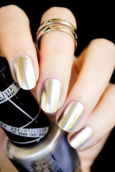 OPI Push And Shove - Review and Swatches. This stunning silver chrome nail polish is a part of OPI Gwen Stefani collection.