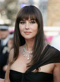 Monica Bellucci Italian Actress and Fashion Model Photos - Celebrities Photos Monica Bellucci Photo, Monica Belluci, Monica Bellucci Young, Bond Girls, Italian Actress, Long Hair With Bangs, Italian Beauty, Celebs, Celebrities