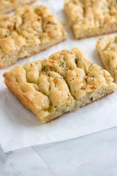 Easy Focaccia Bread Recipe with Herbs from www.inspiredtaste.net #recipe #bread