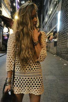 Love this boho look. Casual yet chic Crochet Summer Dresses, Mode Crochet, Crochet Style, Moda Boho, Bohemian Mode, Bohemian Style, Estilo Boho, Crochet Fashion, Forever 21 Dresses
