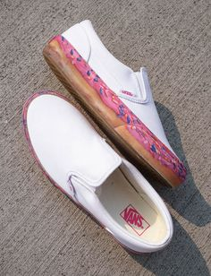 Step into a delicious delight with the Slip-On Platform Donut Skate Shoes from Vans. Cute Sneakers, Vans Sneakers, Vans Shoes Fashion, Fashion Outfits, Nike Shoes Air Force, Van Design, Vans Slip On, Crazy Shoes, Skate Shoes