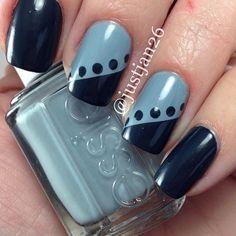 Black-blue and gray-blue dot nail art Dot Nail Art, Nail Art Diy, Diy Nails, Manicure, Stylish Nails, Trendy Nails, Nail Art Designs, August Nails, Jolie Nail Art