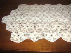 Vintage Star Pattern Crochet Table Runner by Eklektibles on Etsy, $35.00