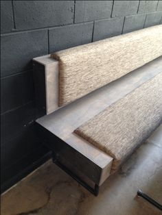 Well designed bench, nice mix of materials. #workspacevision #benches
