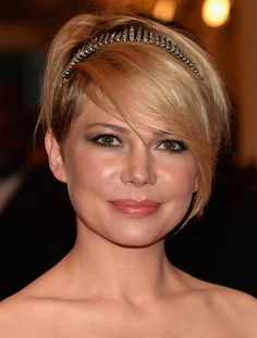 The hairstyle is just as important as your face! Before you choose a hair style, you need to know your face shape first, click here to view how to choose hairstyles for you face shape, today I'd like to show you some female celebrities with round shaped faces, if you really don't know what hair[Read the Rest]