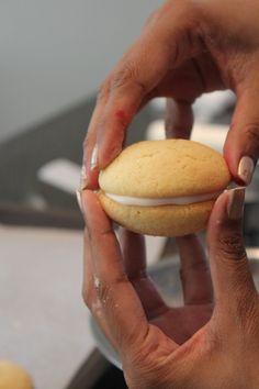 Posts about Wareings snowballs written by yudhikayumyum Snowball Cake Recipe, Pink Food Coloring, Whoopie Pies, Vanilla Essence, No Bake Treats, Chocolate Ganache, Tray Bakes, Hot Dog Buns, Cake Recipes