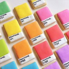 Colorful Pantone cookies by a graphic designer Fox Cookies, Iced Cookies, Cute Cookies, Cookies Et Biscuits, Sugar Cookies, Baking Cookies, Cookies Decorados, Cookie Designs, How To Make Cookies