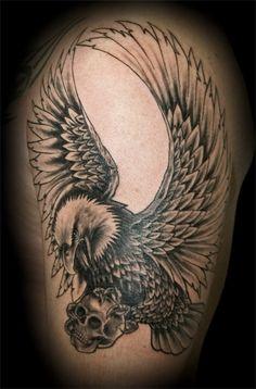 Tattoo-Foto: Adler mit Skull                                                                                                                                                                                 Mehr