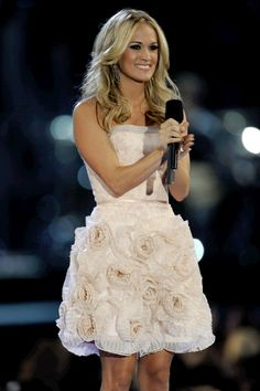 This dress looks so good on Carrie!! I'd look like a disproportionate cupcake!!