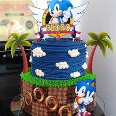 e sonic party Sonic Birthday Cake, Sonic Birthday Parties, 5th Birthday, Bolo Sonic, Sonic Cake, Sonic Party, Sonic Kuchen, Festa Do Pac Man, Sonic The Hedgehog Cake