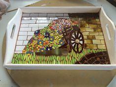 Bandeja realizada en mosaico