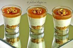 Un'idea ricca di gusto che stupirà i palati dei vostri commensali... - Ricetta Antipasto : Bicchierini gorgonzola, pere e noci da Feelcook